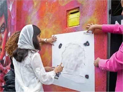 Malala plasmó rostro de Marielle Franco en la favela