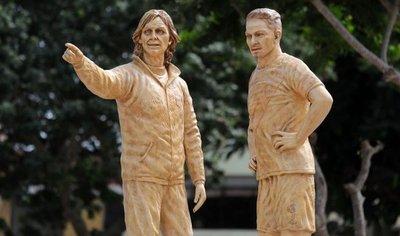 Dedican en Perú estatuas a Paolo Guerrero y Ricardo Gareca