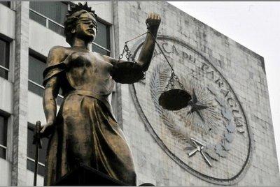 Nuera de ministro estudia en México, con goce de sueldo de la Corte