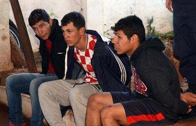 Atrapan a cuatro asaltantes en una persecución a tiros en Villa Elisa