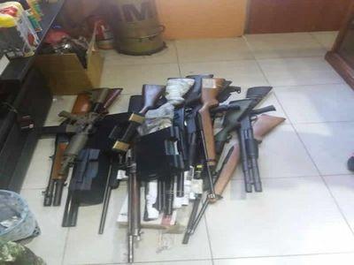 Incautan armas prohibidas en tres comercios allanados