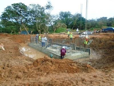 Construyen puente sobre arroyo Pa´iry