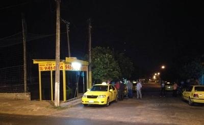 HOY / Taxista encerrado en valijera se arrojó del vehículo en movimiento