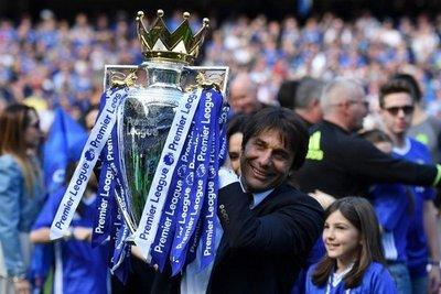 Antonio Conte se despidió del Chelsea