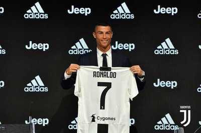 Cristiano Ronaldo fue presentado como nuevo jugador de Juventus
