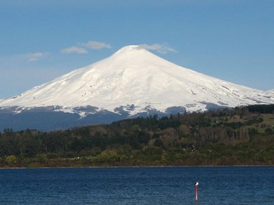 Chile: Sigue alerta de posible erupción de volcanes