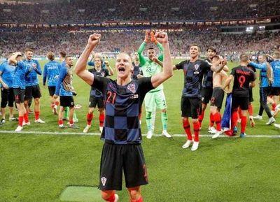 Croacia derrotó a Inglaterra con un gol heroico de Mandzukic