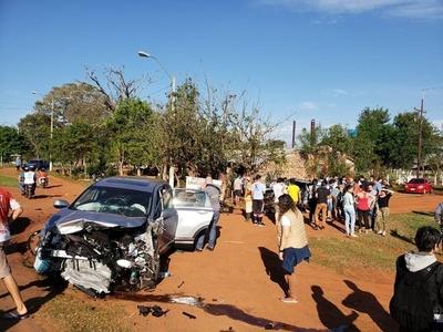 Brutal choque frontal deja un muerto y cuatro heridos
