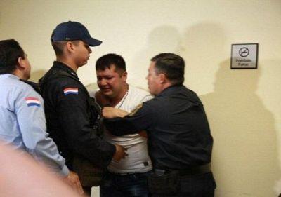 Familiares exigen la libertad del policía Benito Sanabria, condenado a 12 años de cárcel