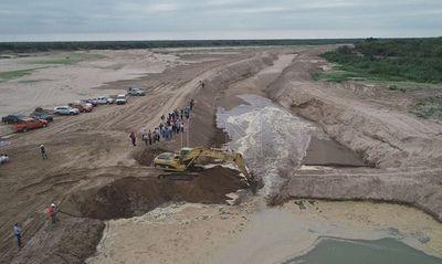 Abren canal para que aguas del Pilcomayo ingresen al Chaco paraguayo