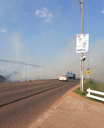 Peligrosa quema de pastizales en Concepción