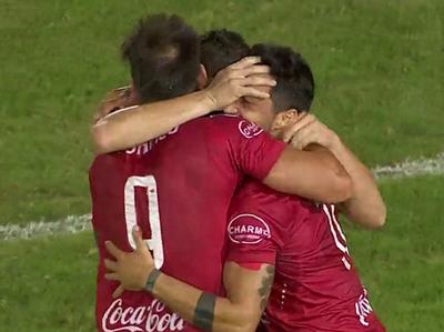 Hernán Fredes abrió el placar de goles del Clausura