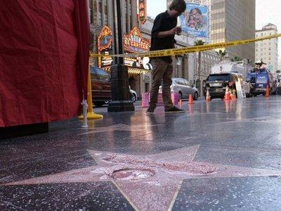 Destruyen estrella de Donald Trump en el Paseo de la Fama