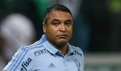 Palmeiras destituye a su técnico a días del duelo ante Cerro