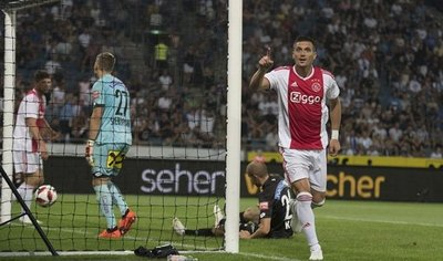 Ajax y Celtic avanzan en la fase previa de la Champions League