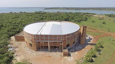 Rubén Rojas alardea con inauguración de polideportivo construido por Itaipu