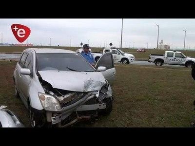 APARATOSO ACCIDENTE EN ANTEQUERA ESQ. GRAL. ARTIGAS