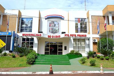 Becarios denunciaron que intendente franqueño no les paga desde el mes de junio