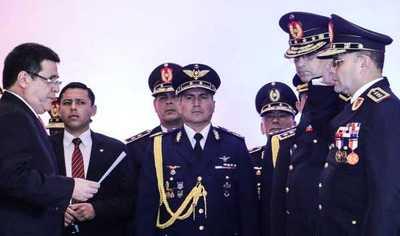 Presidente puso en posesión de cargo a máximas autoridades de la Policía
