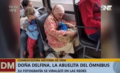Mujer de la foto viral: Tiene 83 años y sigue produciendo alimentos caseros