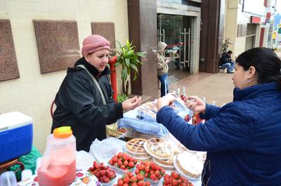 Festival de la Frutilla se inicia con variedad de exquisiteces