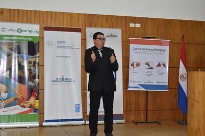 Diccionario digital de lengua de señas paraguaya para fortalecer inclusión