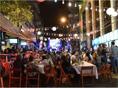 Centro de Asunción con varias actividades por fiestas fundacionales