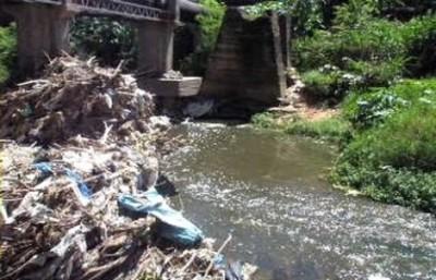 Casi 90 industrias que contaminan arroyo Mburicaó están sumariadas