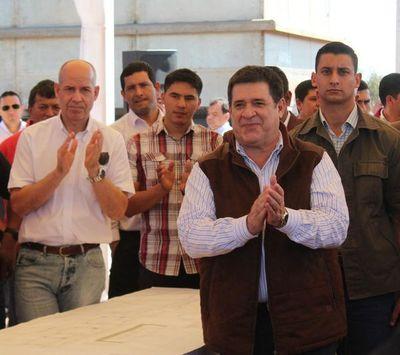 Cartes visitó planta de Essap en San José de los Arroyos