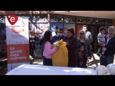 Municipalidad de Encarnación entrega kits para festejos del día del niño.