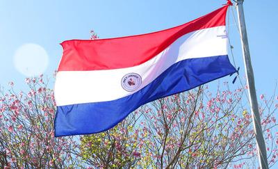 Hoy se celebra el Día de la Bandera paraguaya
