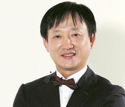 Coreanos son apabullados por internautas y surgen más denuncias en su contra