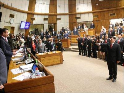 Diputado Varela pide permiso para asumir en Desarrollo Social
