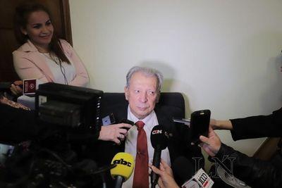 Senadores analizan luces y sombras del gobierno de Cartes