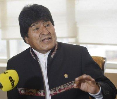 """Evo Morales : """"Ayúdennos a criar ganado"""""""