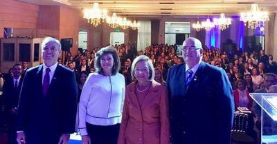 Ceremonialistas realizan en Asunción un congreso centrado en actos de traspaso presidencial