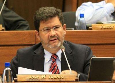 Tras enfrentar cargos por estafa, el diputado Ibáñez presentó su renuncia