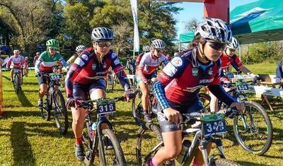 Kuelhkamp y Viera ganan en ciclismo