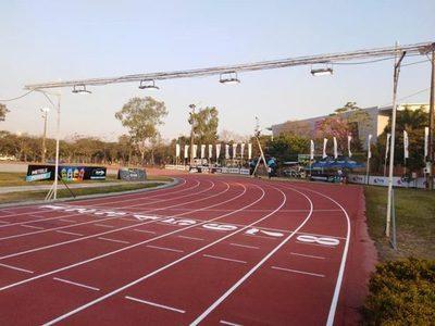 Secretaría de Deportes rehabilitó su remozada pista de atletismo