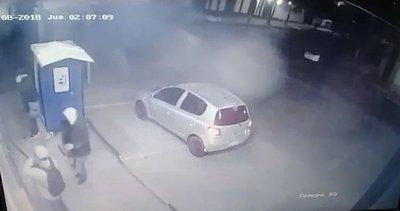 Novatos ladrones ensayan robo frustrado