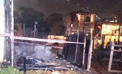 Padre e hijo fallecieron calcinados en supuesto incendio provocado