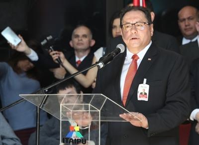 """Nuevo director de Itaipu promete """"reclamar lo que nos corresponde"""""""