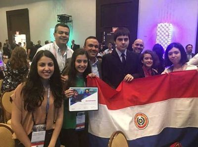Estudiantes paraguayos se destacan en competencia de Microsoft y Adobe