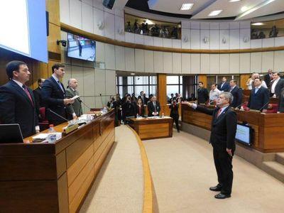 Enrique Riera juró como senador en reemplazo de Luis Castiglioni
