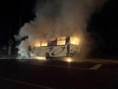 Bus de Itá se incendió y los pasajeros se llevaron un susto