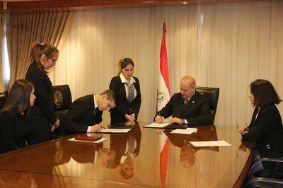 Firma de convenio entre la Corte y la Universidad Católica