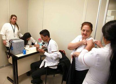 Vacunan contra la gripe en el Registro de Automotores
