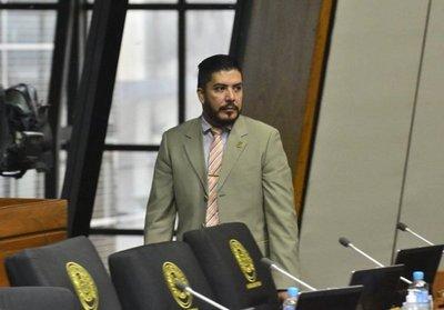 Fiscala imputa al diputado Portillo por exigir US$ 3.000 a procesada