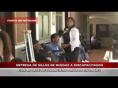 SILLAS DE RUEDAS SON DONADAS CON APORTE DE FINANCIERA PRIVADA
