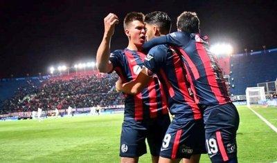 Un intenso duelo deja a San Lorenzo cerca de los cuartos de final